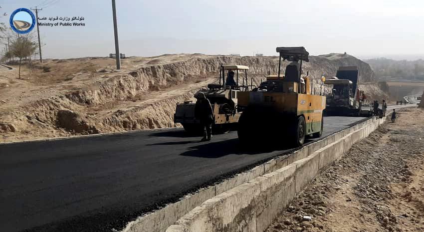 ساختمان سرک های باقی مانده داخل شهر تالقان ولایت تخار ۹۵ فیصد پیشرفت کاری دارد
